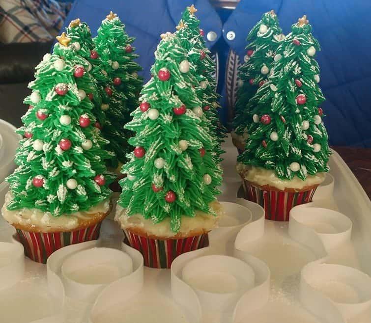 Kelly Ann Minnis - Clandestine Cake Club