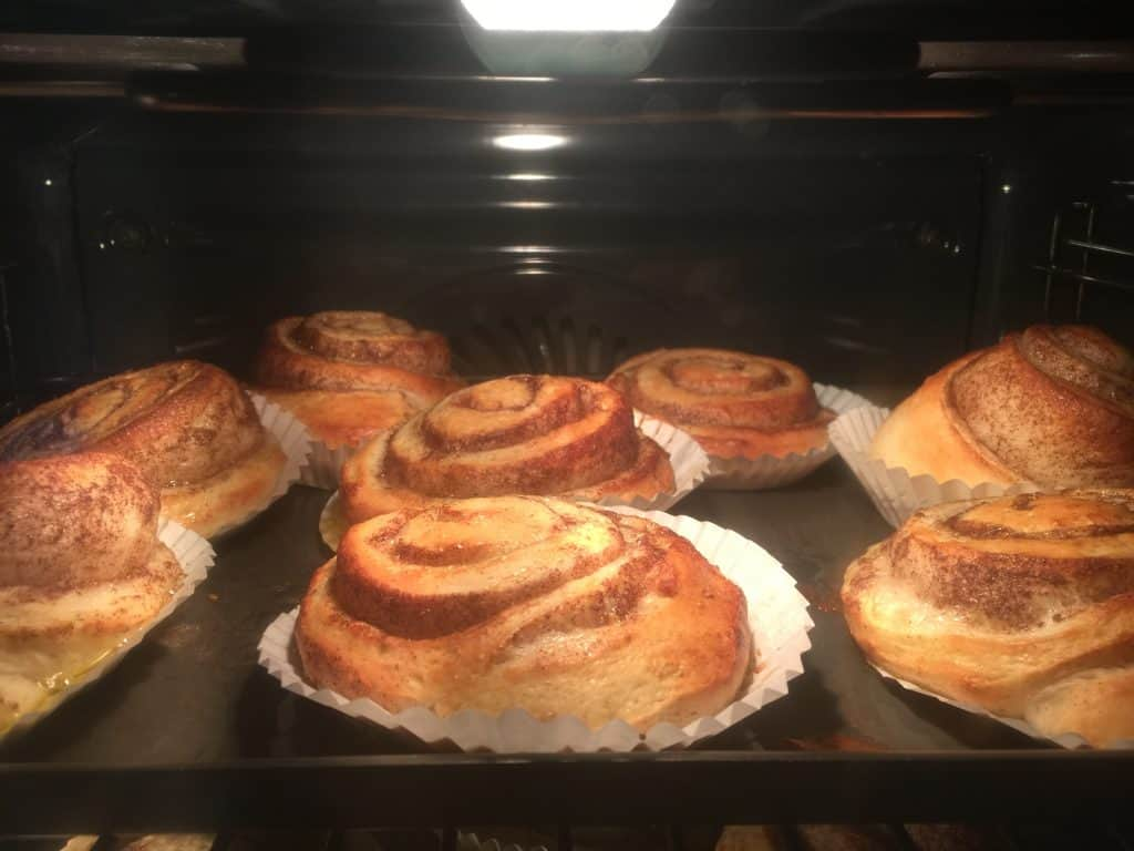 Cinnamon Buns in the oven