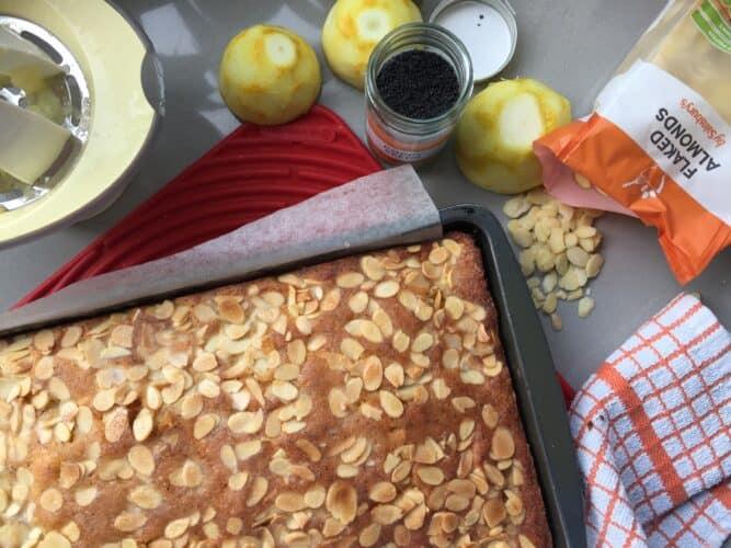 Lemon, Almond poppy seed tray bake
