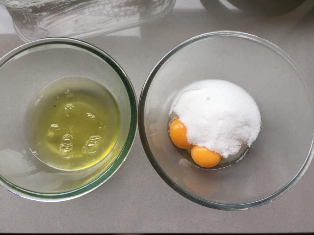 Two Pyrex bowls