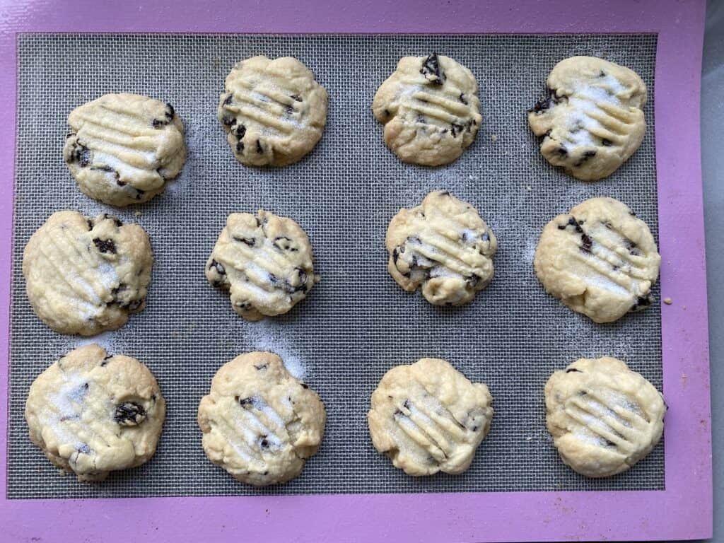 Baked cookies on a baking tray