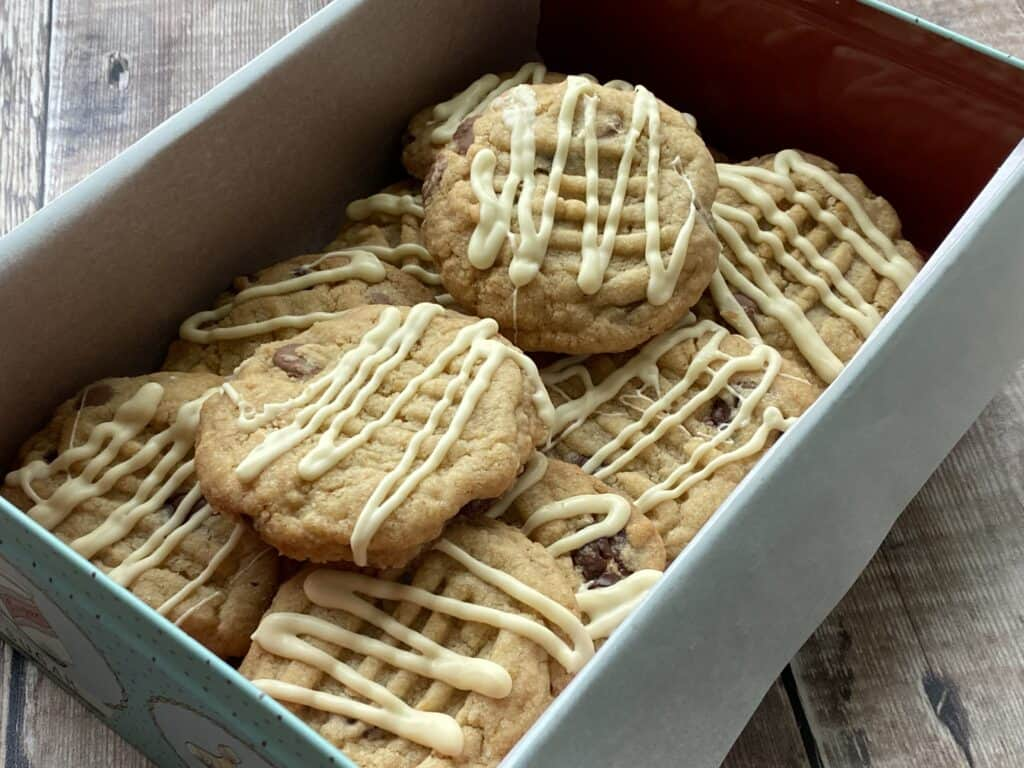Chocolate chip cookies in a tin