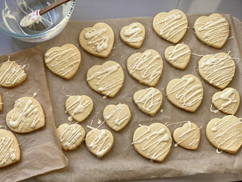 Vanilla Shortbread biscuits drizzled with white chocolate